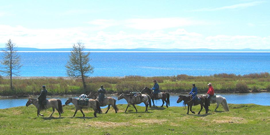 Nomades du Nord et le lac Perle bleue, Sibérie méridionale